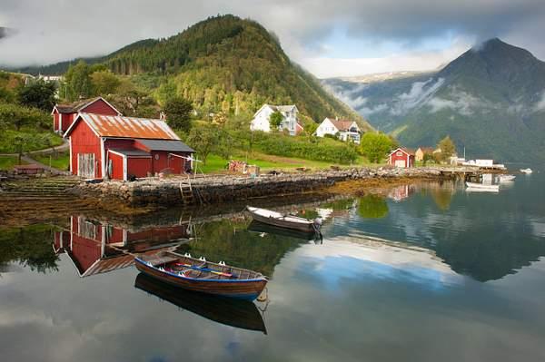 """""""Balestrand Boat"""""""
