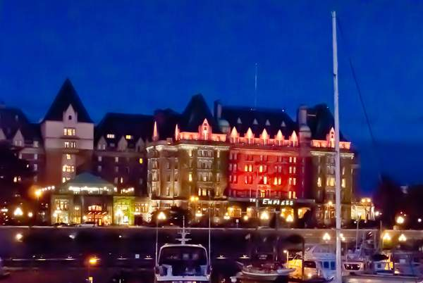 Empress Hotel-Night
