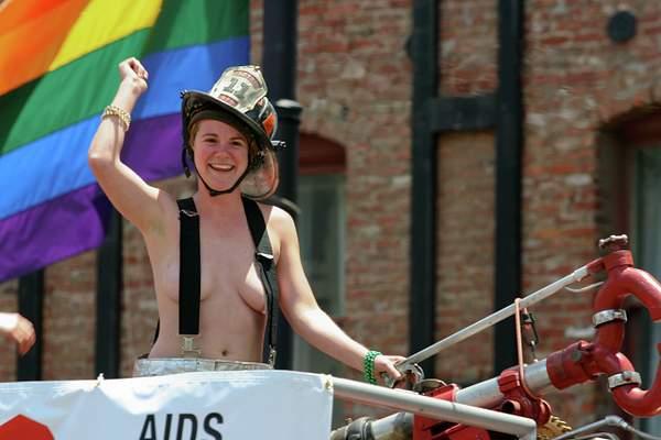 SF Pride Day Parade 2005 222