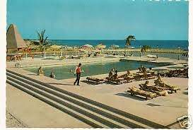 Curacao_Hotel_Beach-pool_side