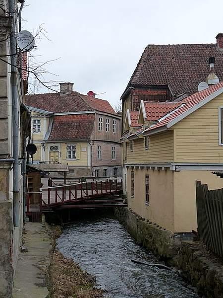 500px-Canal_in_Kuldiga 222