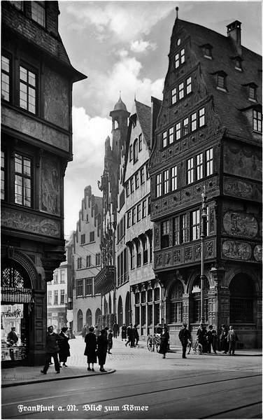 Frankfurt_Altstadt-Blick_zum_Roemer-1920 222