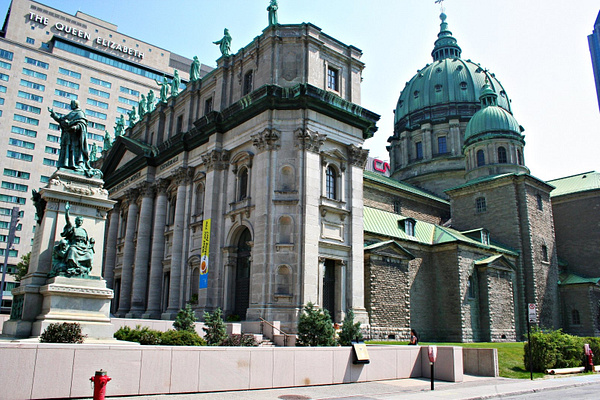 Montreal CathedraleMarie-ReineDuMonde by StefsPictures