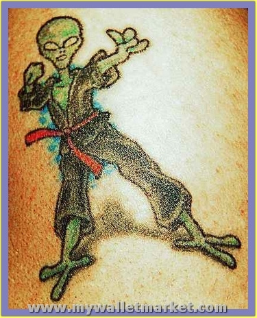 best-aliens-tattoos-28 by catherinebrightman