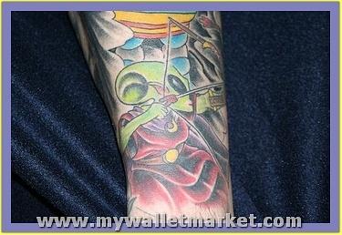 best-aliens-tattoos-41