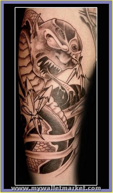 monster-alien-snake-tattoo