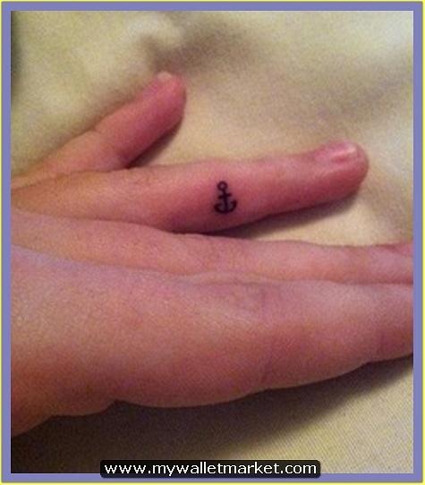 tiny-anchor-tattoo-on-finger