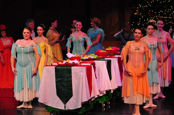 Nutcracker_10_Act_1_(189)