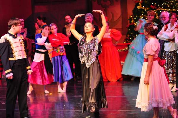 Nutcracker_10_Act_1_(220)