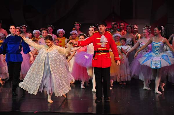 Nutcracker_2010_Act_2_(128)